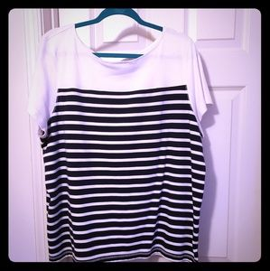 Very nice black and white top so soft like new